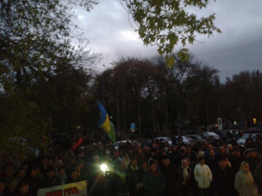 Шины и протесты в Павлограде: митингующие требуют не отменять второй тур выборов мэра, фото-2