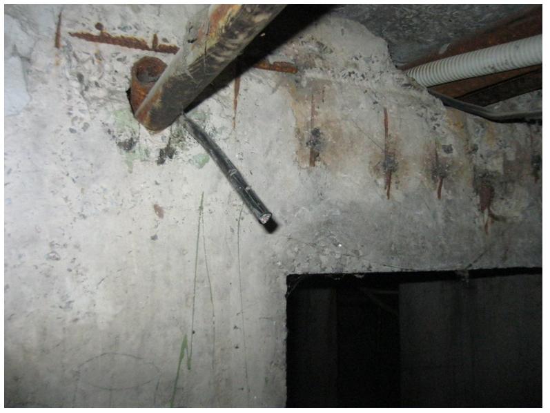 В Кривом Роге вор-рецидивист ножом вырезал телефонный кабель «Укртелекома» (ФОТО) (фото) - фото 1
