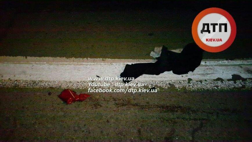 В Киеве во время ДТП мужчину разорвало на части (ФОТО, ВИДЕО), фото-2