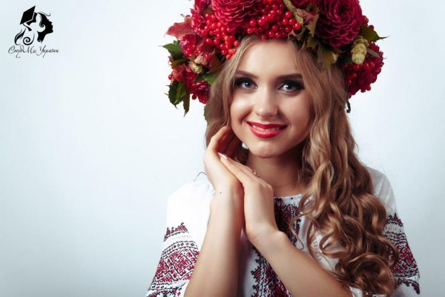 Почти самая красивая студентка учится в Чернигове (фото) - фото 1