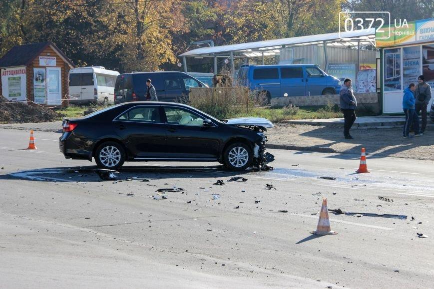 У Чернівцях на розі Південно-Кільцевої та Воробкевича аварія (ФОТО) (фото) - фото 2