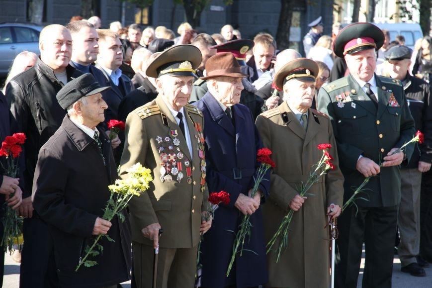 Николаевцы отметили 71-ю годовщину освобождения Украины от фашистских захватчиков (ФОТО), фото-2