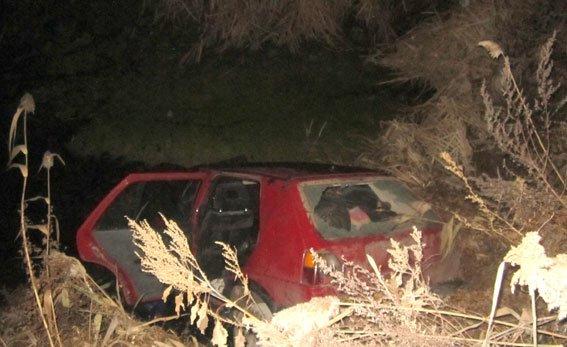 На Полтавщине трое угонщиков чуть не утонули в нечистотах вместе с угнанным автомобилем (ФОТО) (фото) - фото 1