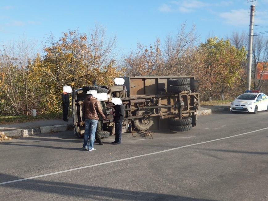 В Кировограде перевернулся грузовик. ФОТО (фото) - фото 2