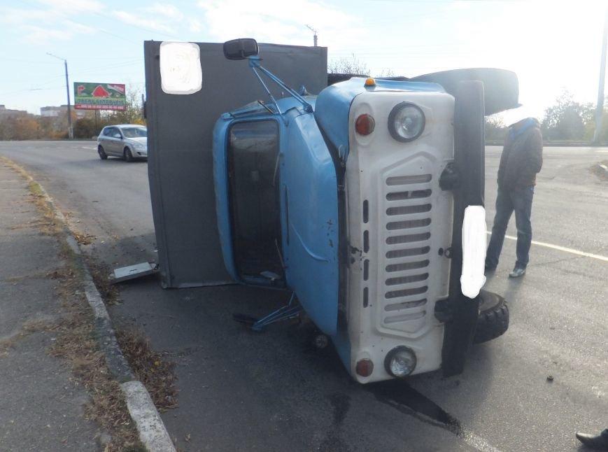 В Кировограде перевернулся грузовик. ФОТО (фото) - фото 1