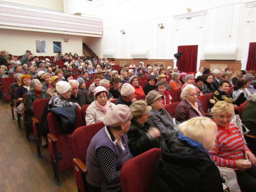 В Мариуполе ветеранов поздравили с Днем освобождения Украины (ФОТО), фото-8