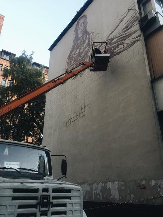 В Печерском районе начали рисовать новый мурал (ФОТОФАКТ), фото-1