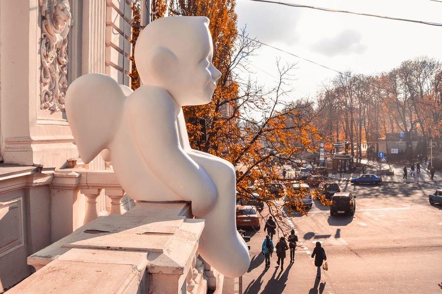 В Музее Шевченко установили скульптуру ангела (ФОТО) (фото) - фото 6