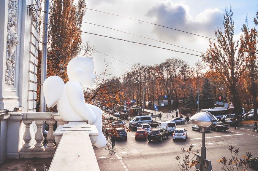 В Музее Шевченко установили скульптуру ангела (ФОТО) (фото) - фото 4