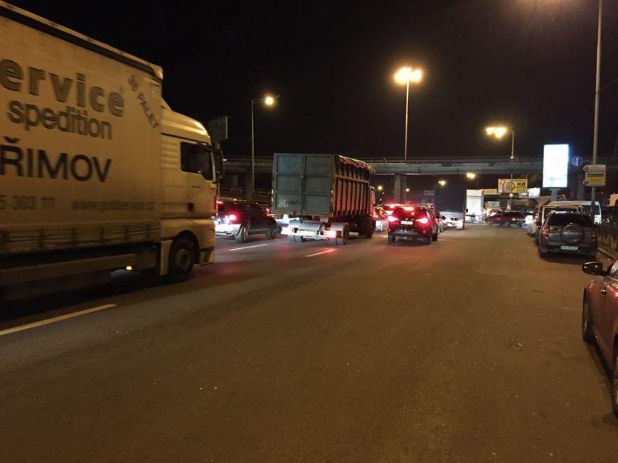 На Столичном шоссе образовалась большая пробка (ФОТО), фото-1