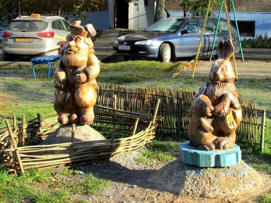 Дракон, обезьяны и медведь: фотопрогулка по дворам и паркам Новополоцка, фото-10