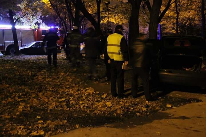 На вулиці Володимира Великого у Львові ледь не згоріла автівка (ФОТО) (фото) - фото 1