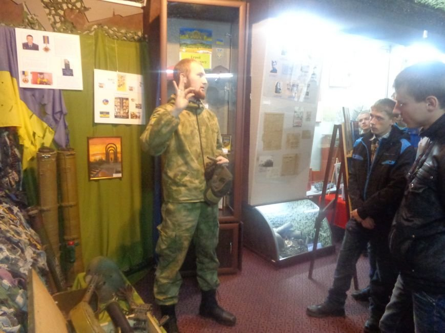 Красноармейский исторический музей почтил подвиг украинского народа в борьбе с нацизмом (фото) - фото 4