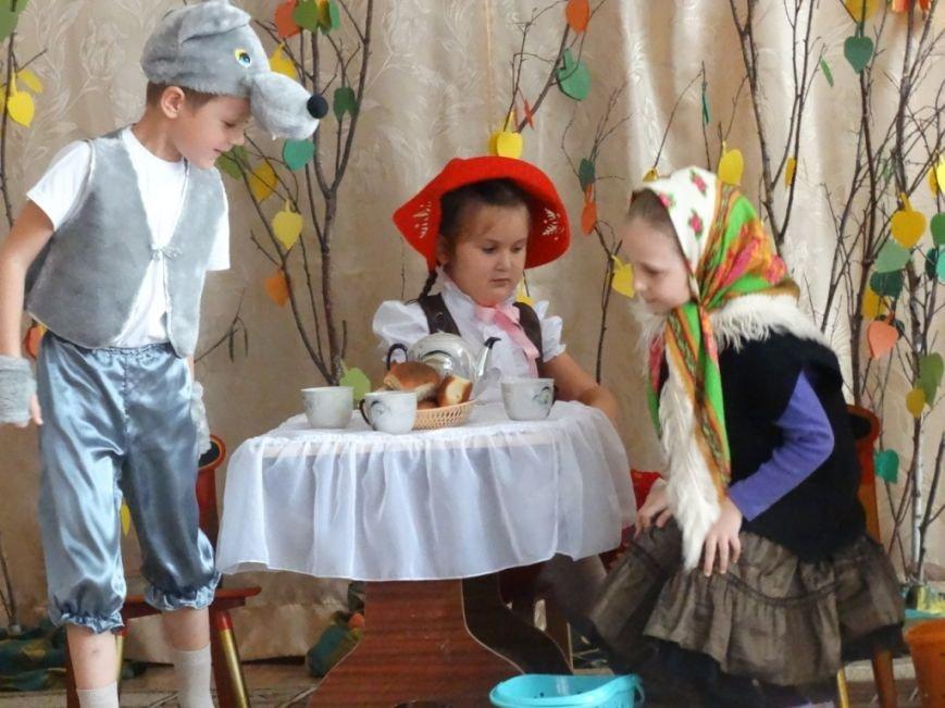 В Новошахтинске стартовал фестиваль-конкурс театрализованной деятельности среди дошкольных образовательных организаций «У колыбели таланта» (фото) - фото 1
