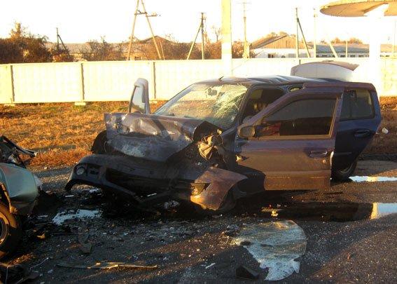 На Полтавщині ЗАЗ «влетів» у Reno: загинуло двоє, троє травмовано (ФОТО) (фото) - фото 3