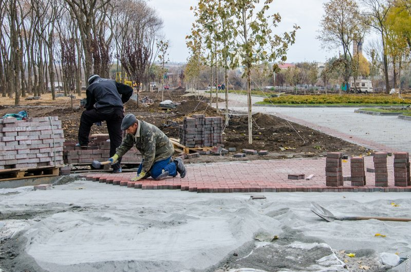 В Синельниково строят первый парк для отдыха (фото) - фото 4
