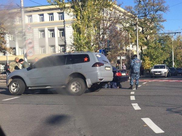 Боевики «ДНР» в центре Донецка протаранили авто, а затем зверски избили водителя (ФОТО) (фото) - фото 3