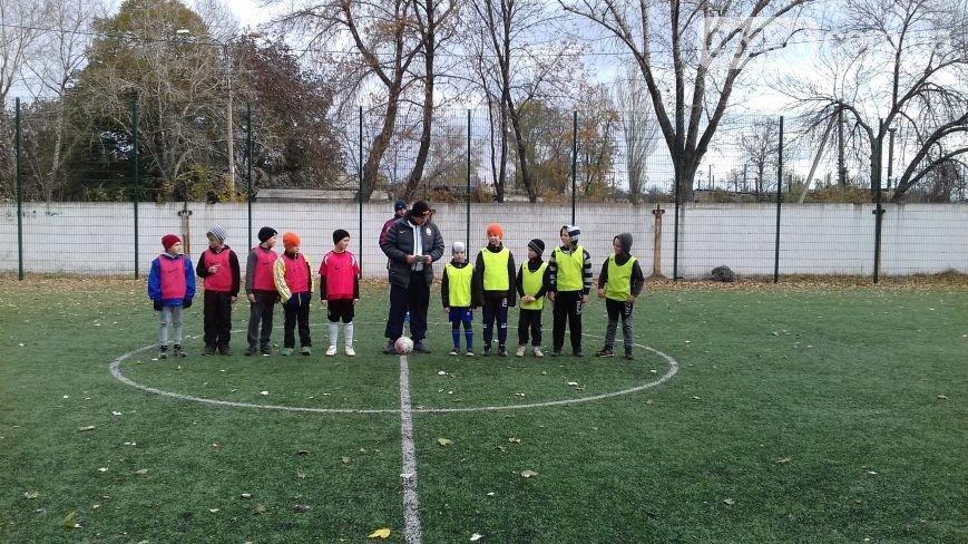 В Авдеевке проходит турнир по мини-футболу на Кубок генерального директора АКХЗ (ФОТО) (фото) - фото 1