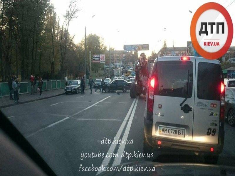 На Дорогожичах столкнулись три автомобиля (ФОТО), фото-2