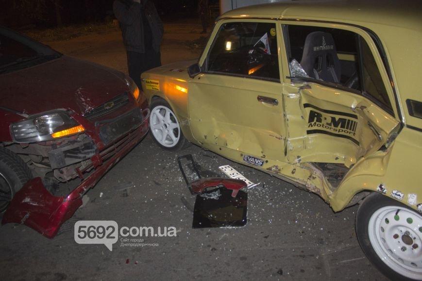 В Днепродзержинске произошло ДТП на улице Димитрова возле магазина «Сигнал», фото-3
