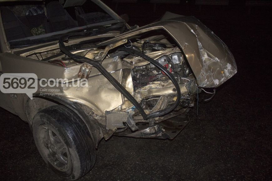 В ДТП на трассе под Днепродзержинском пострадало 2 человека (фото) - фото 4