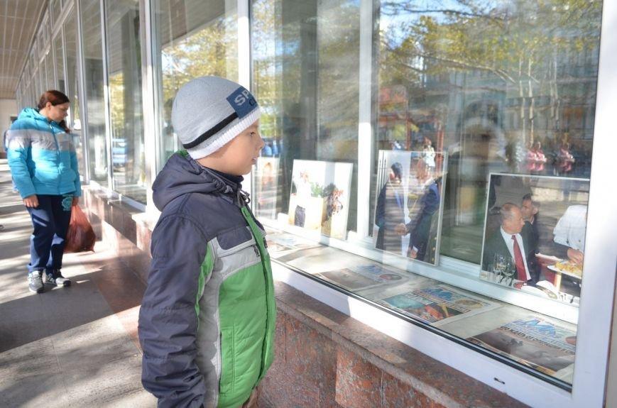 «Неформальный Путин» перекочевал в Главпочтамт Симферополя (ФОТО) (фото) - фото 11
