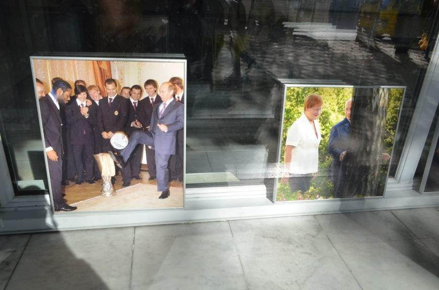 «Неформальный Путин» перекочевал в Главпочтамт Симферополя (ФОТО) (фото) - фото 9