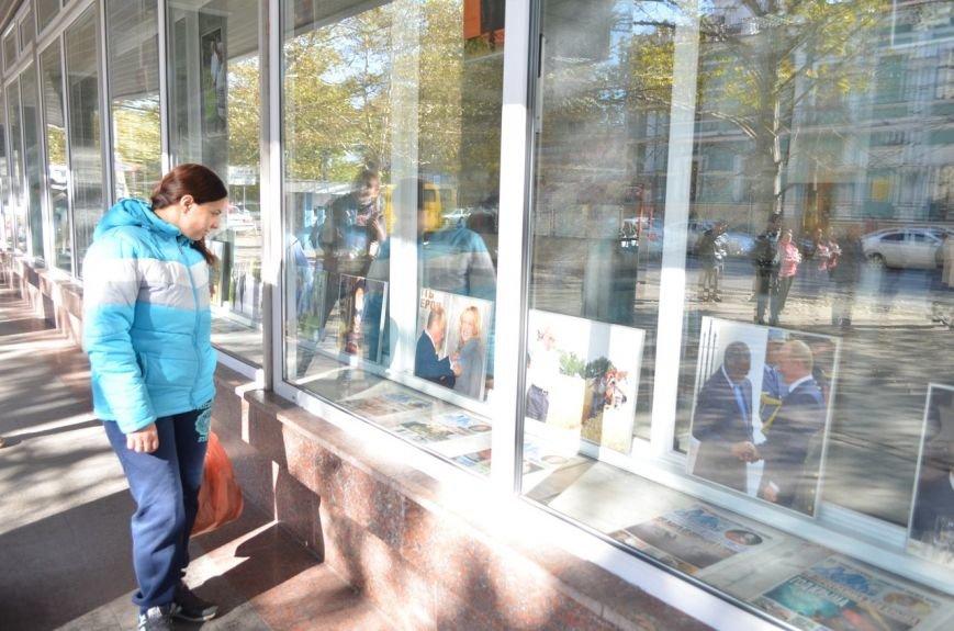 «Неформальный Путин» перекочевал в Главпочтамт Симферополя (ФОТО) (фото) - фото 12