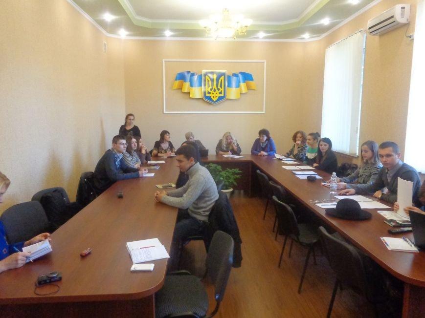 В ДонНТУ Красноармейска состоялся круглый стол по вопросам развития и регулирования малого бизнеса (фото) - фото 2