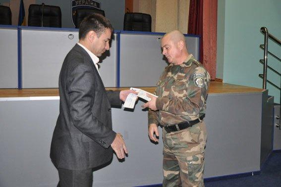 В Полтаві 36 правоохоронців отримали посвідчення учасників бойових дій (фото) - фото 2