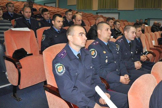 В Полтаві 36 правоохоронців отримали посвідчення учасників бойових дій (фото) - фото 5