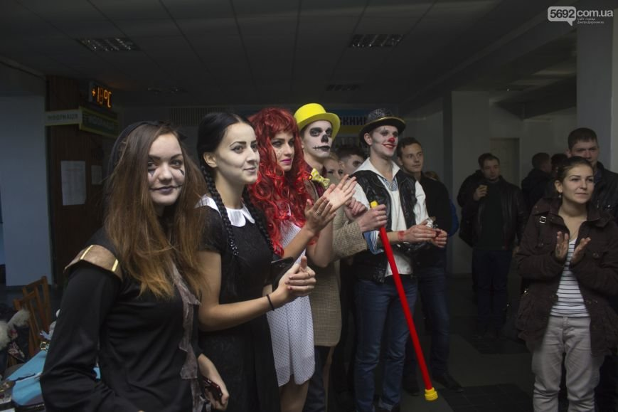 Студенты Днепродзержинска отмечают Хэллоуин, фото-1