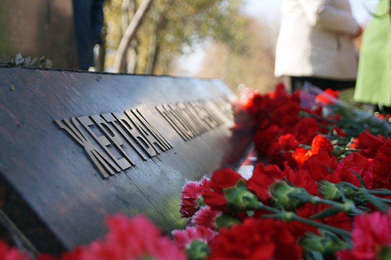 «Ты с немцами одним воздухом дышала, этого достаточно». В Белгороде прошла акция памяти жертв политических репрессий (фото) - фото 4