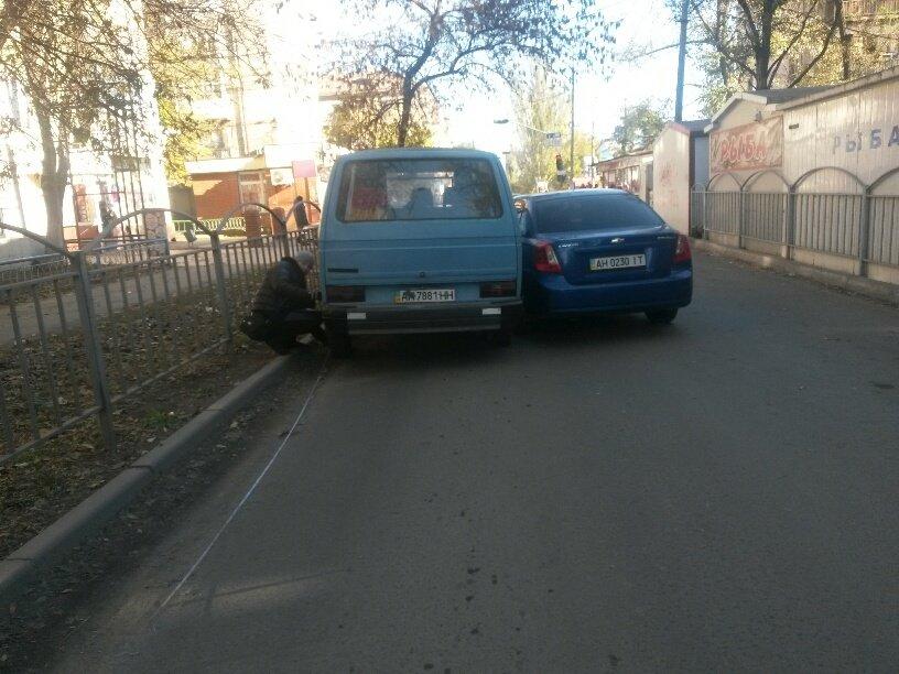 В Мариуполе «Шевроле» столкнулось с микроавтобусом (ФОТО), фото-2