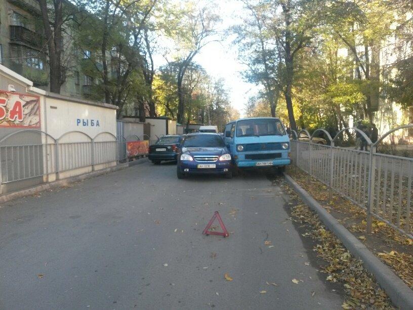 В Мариуполе «Шевроле» столкнулось с микроавтобусом (ФОТО), фото-4