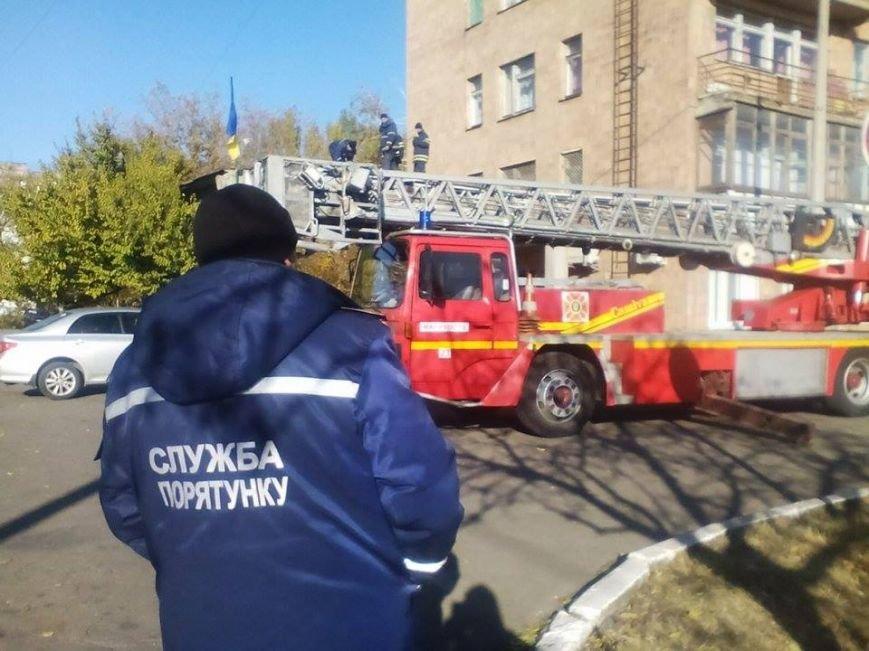 В Мариуполе мужчина выпрыгнул с 8 этажа больницы (ФОТО) (фото) - фото 1