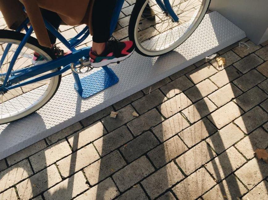 В парке Шевченко установили велосипеды с динамо-машиной (ФОТОФАКТ) (фото) - фото 1