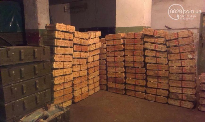Суд лишил свободы двух сторонников «ДНР», которые пытались провезти под Мариуполем огромное количество боеприпасов (фото) - фото 1