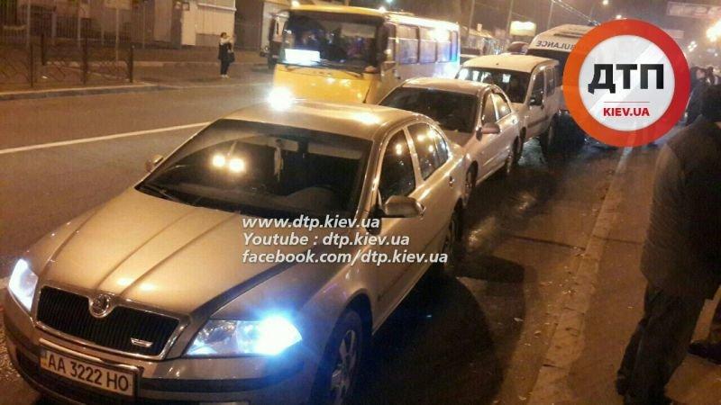 На Перова столкнулись 6 автомобилей, есть пострадавшие (ФОТО, ВИДЕО), фото-1