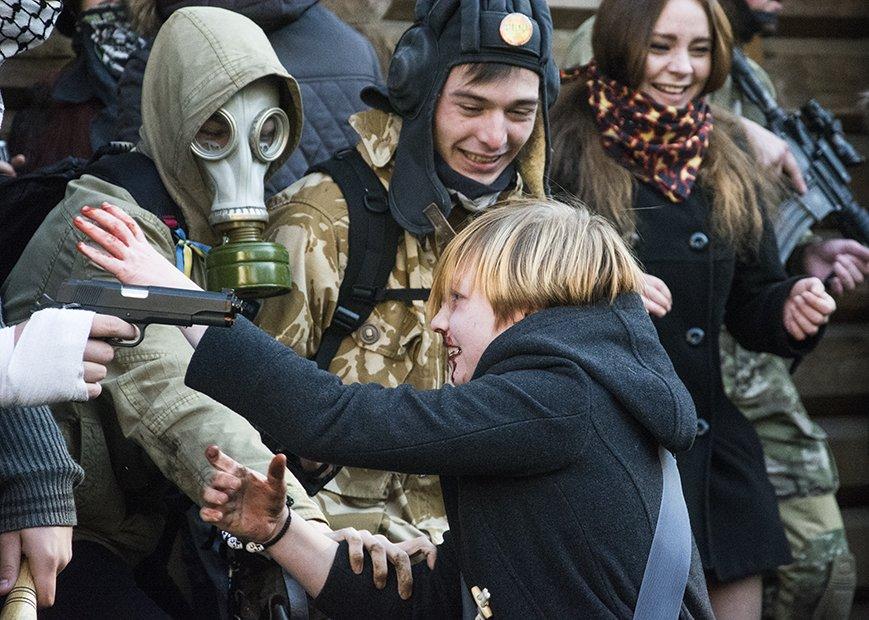 В Киеве прошел зомби-марш (ФОТОРЕПОРТАЖ) (фото) - фото 3