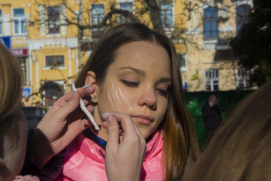 В Киеве прошел зомби-марш (ФОТОРЕПОРТАЖ) (фото) - фото 1