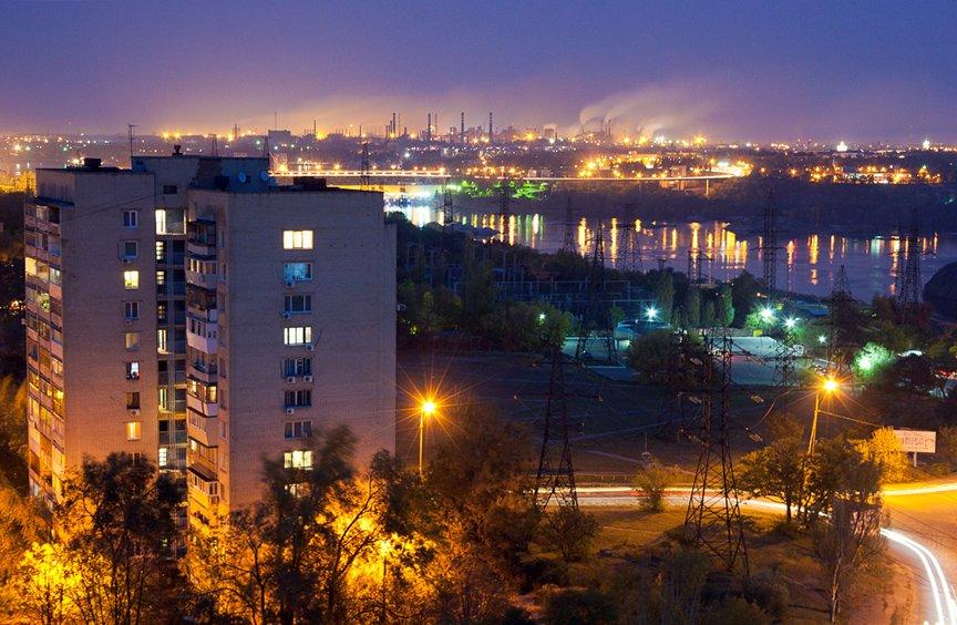 ФОТОПРОЕКТ: огни ночного Запорожья с крыш домов (фото) - фото 5