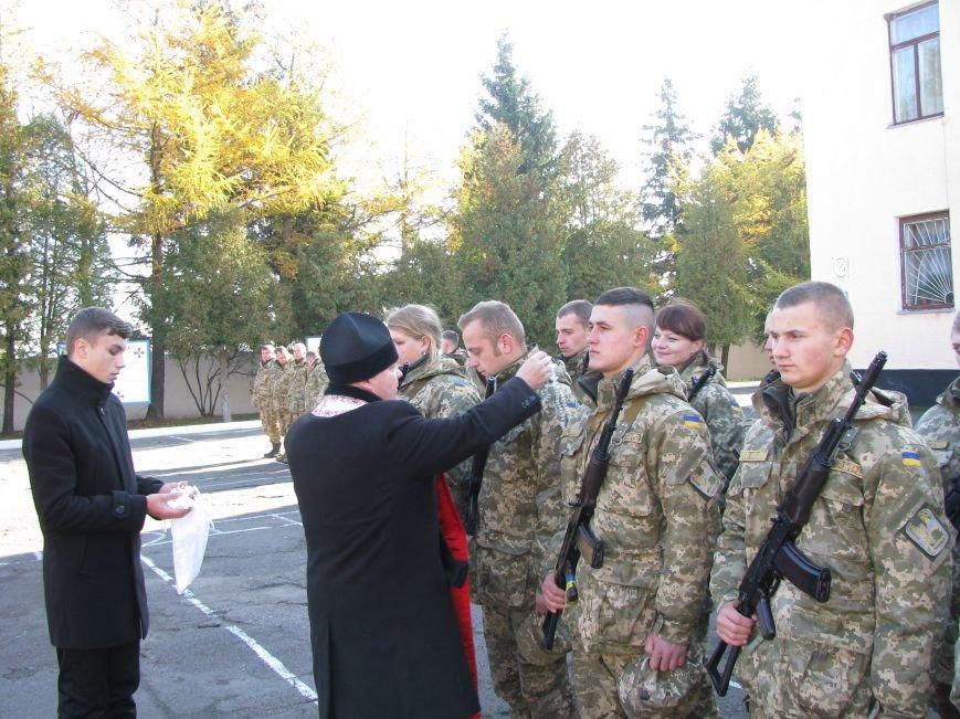 На Тернопільщині контрактники склали присягу. Більшість військовослужбовців – жінки (ФОТО) (фото) - фото 1
