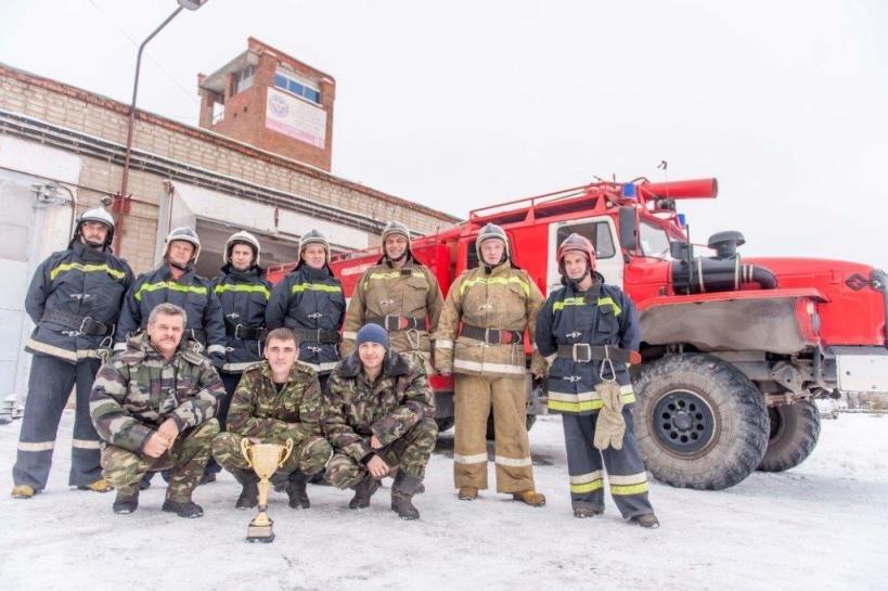 Пожарные караулы градообразующего предприятия Полевского подтвердили свое мастерство (фото) - фото 1