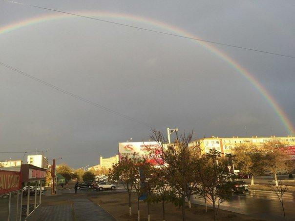 Ближе к вечеру 2 ноября над Актау поднялась двойная радуга (фото) (фото) - фото 6