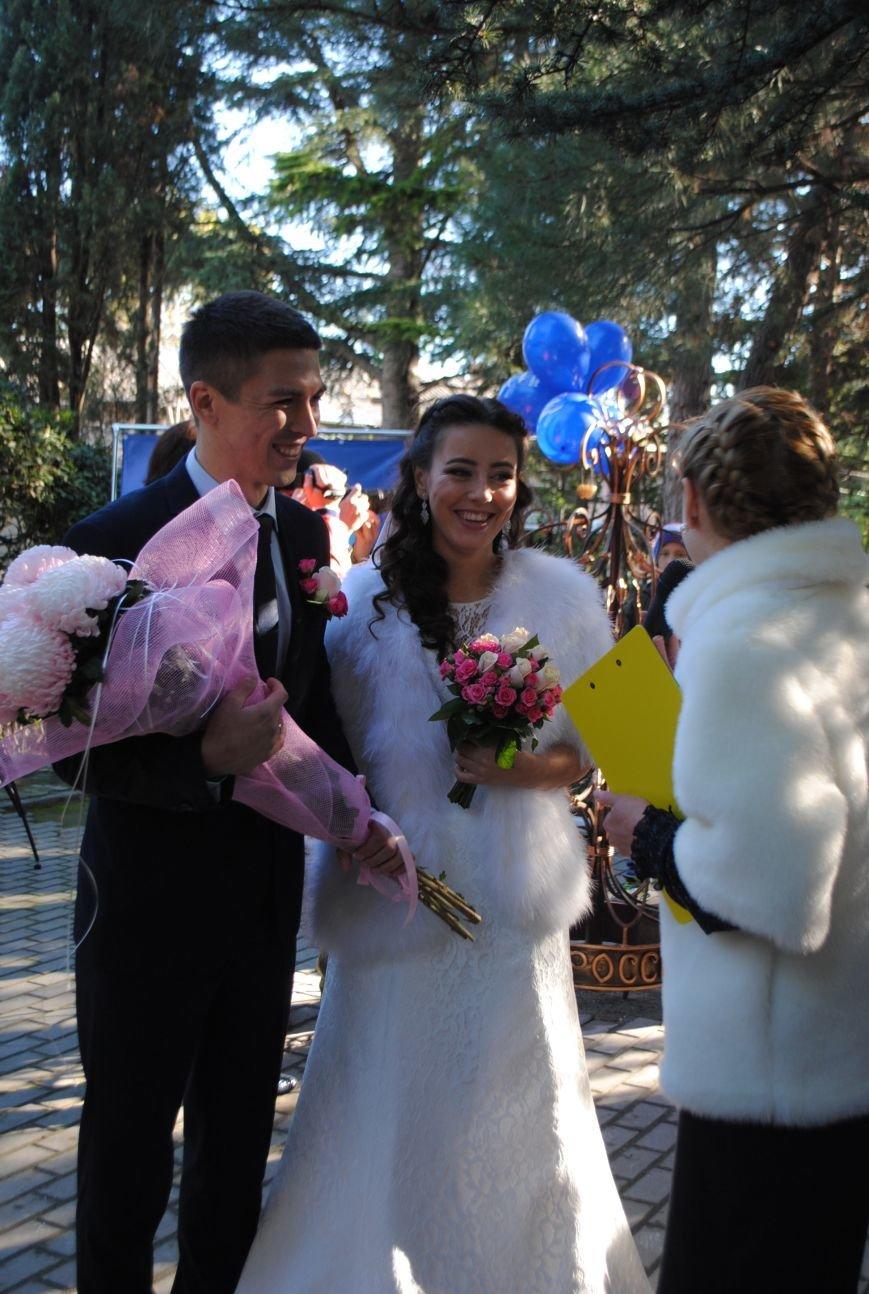 В Ялте открыли «Дерево любви» и «Скамью согласия и примирения» (фото) - фото 5
