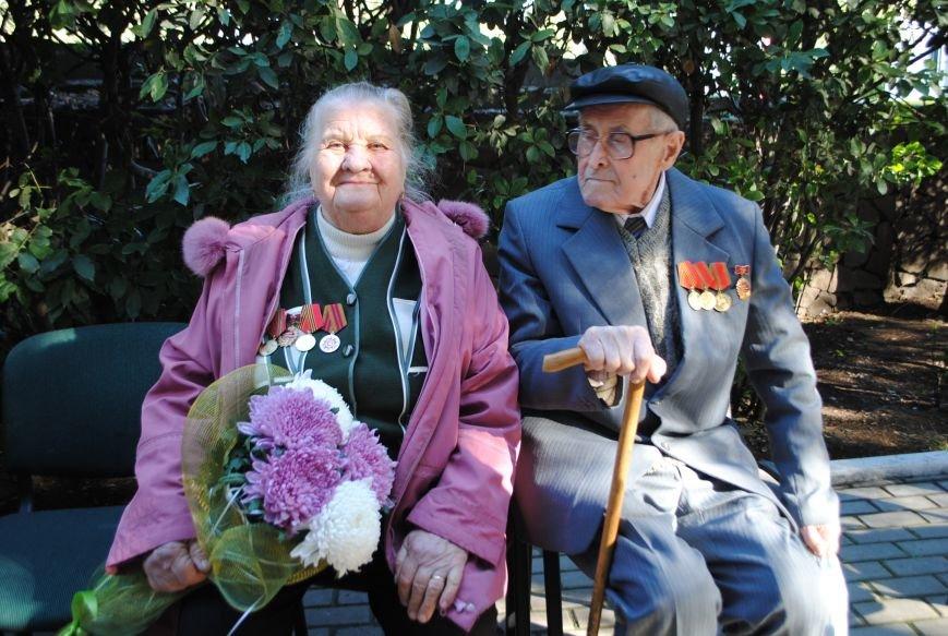 В Ялте открыли «Дерево любви» и «Скамью согласия и примирения» (фото) - фото 3