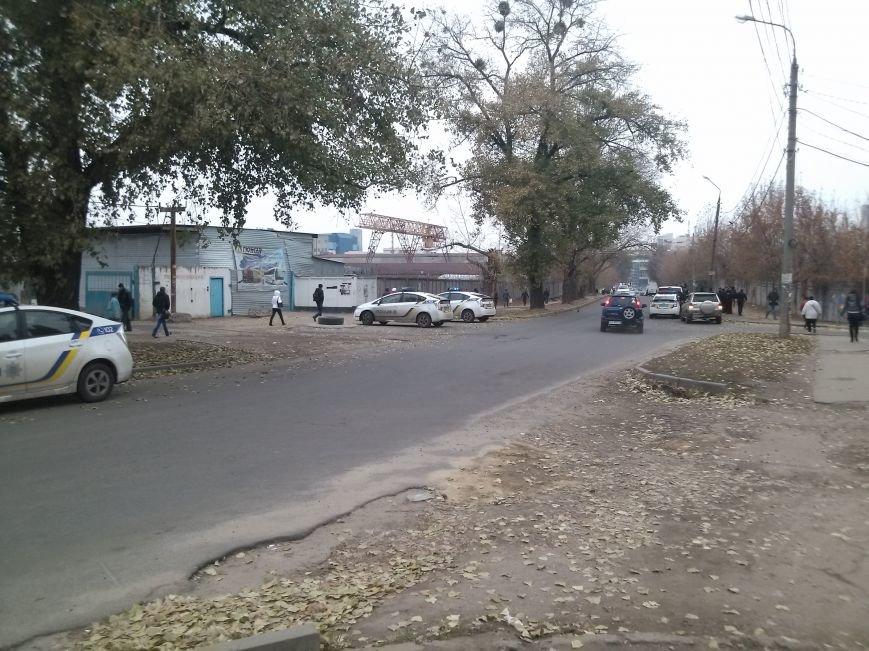 В Харькове полиция задержала мужчину с автоматом (ФОТО) (фото) - фото 1