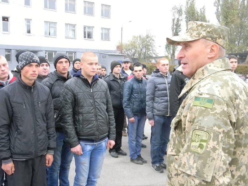 36 запорожских призывников отправили в армию, - ФОТО (фото) - фото 1