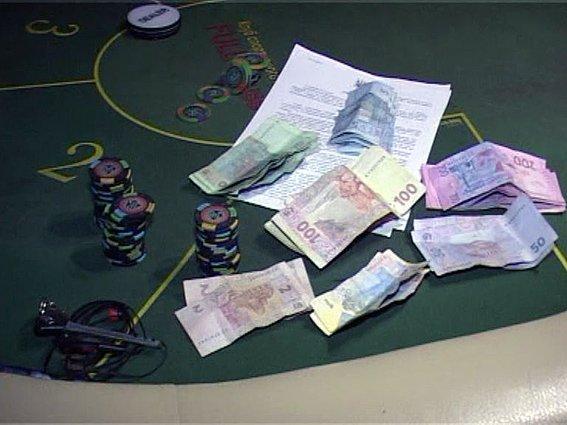 В Одессе милиция накрыла настоящее казино (ФОТО, ВИДЕО) (фото) - фото 1